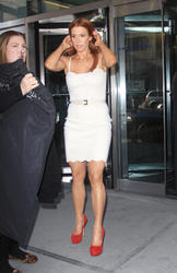 Poppy Montgomery - Leaving The Early Show, NY Feb. 28, 2012 (x6 HQ)
