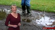 Carol Kirkwood (bbc weather) Th_389533766_002_122_422lo