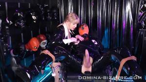 Domina Bizarre: Lady Mercedes - Rubber Addict - Teil 1